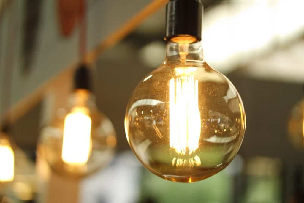 energy saving tips when hosting guests